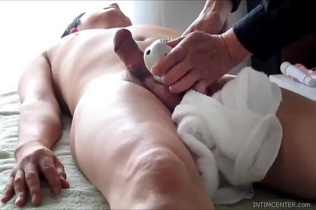 csikló erekcióval)