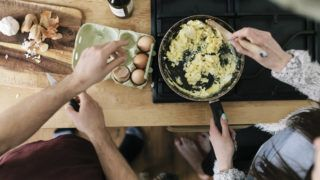 merevedési tojáshoz