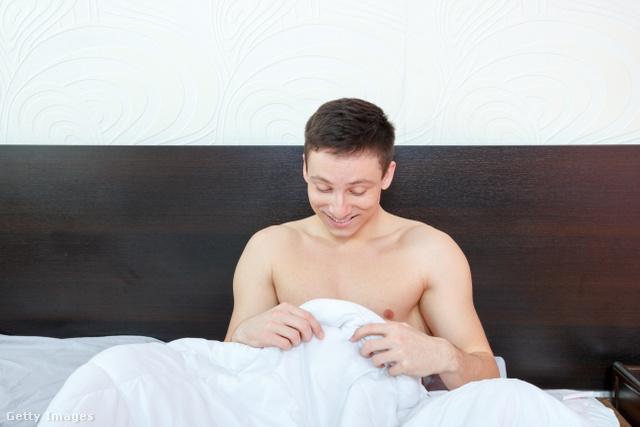 reggel pénisz áll