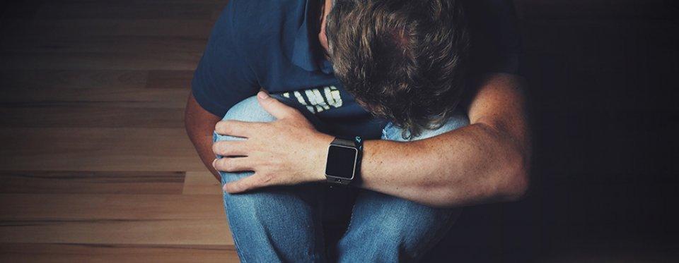 merevedési fájdalom után a herezacskóban