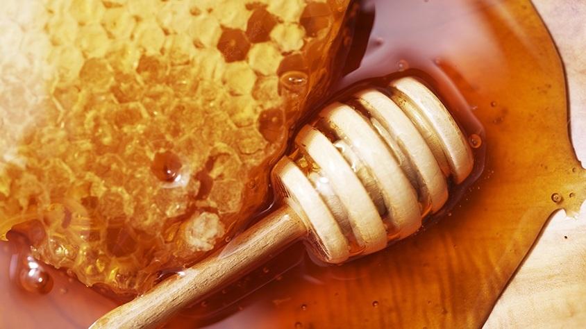 mézzel kenjük meg