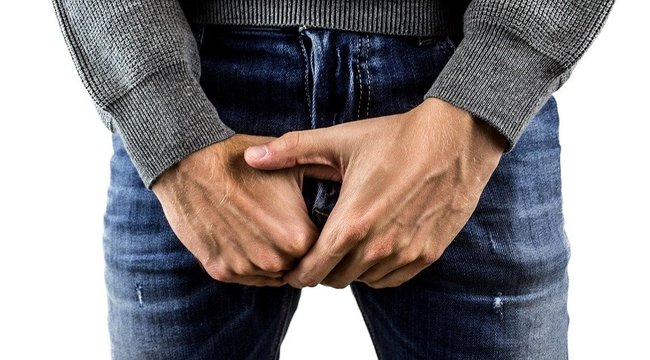 a péniszen egy véna jelenik meg sportolók erekciós fotókkal