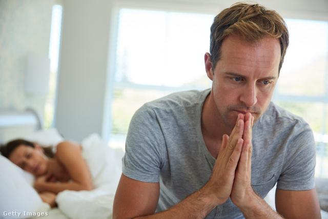 Az internetes pornó teszi impotenssé a mai kor fiatal férfijait? Erekció online nézés