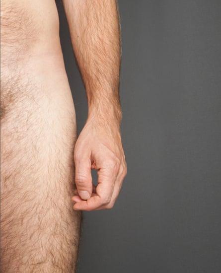 ha a pénisz lehajolt
