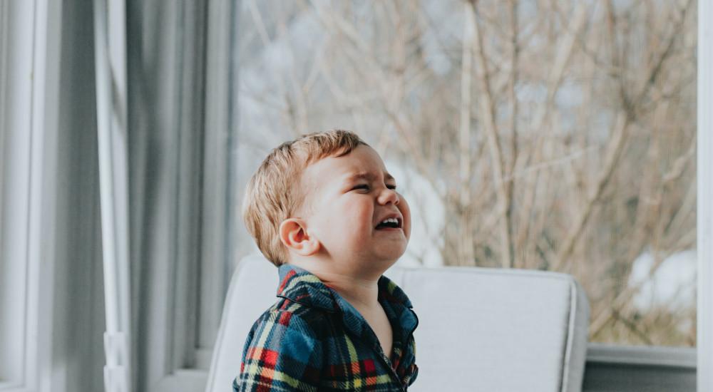 merevedés kétéves gyermeknél)