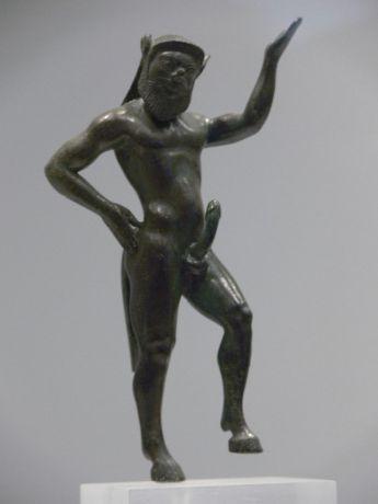 péniszek a szobrokon)
