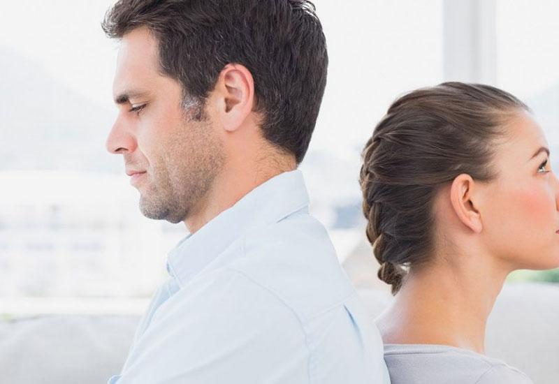 A fiatal, új barátnő nem oldja meg a kapuzárási pánikot
