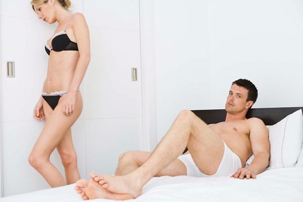 a nőknél az erekció hiánya)